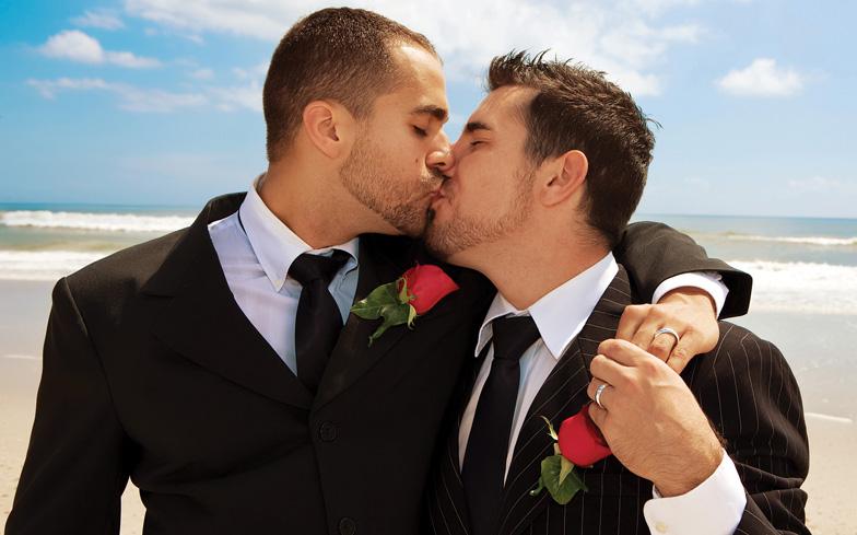 Iglesia en Escocia espera aprobar el matrimonio homosexual